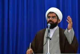 ملت ایران با بصیرت و وجود رهبر انقلاب از گردنه فتنه سربلند بیرون آمد/ سپاه پاسداران در مدت زمان اندک جهان را مات و مبهوت کرد